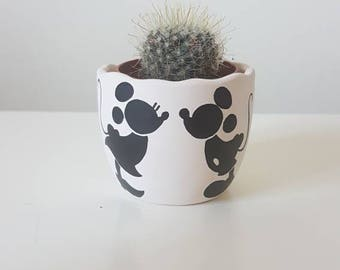Mickey and Minnie Mouse Pot - Hand Painted Flower Pot - Egg Shell Pot 6cm