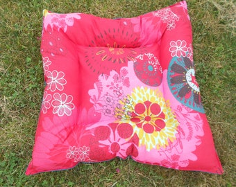 rugs, pillows, sleeping dog or cat 50 x 50 cm