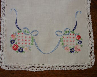 """Cute Vintage Runner, Hand Embroidered, Crocheted Edge, 9 x 23"""""""
