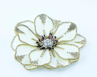 large cream crystalized flower clip