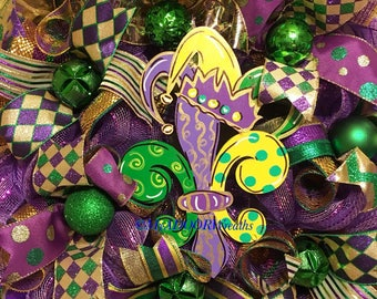Coming Soon Mardi Gras Deco Mesh Wreath, Jester Mardi Gras Wreath, Coins Bead Feather Wreath, Fat Tuesday Decor, Whimsical Mardi Gras Wreath