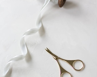 """Gold Metal Small Curved Tip Embroidery Crafting Scissors - 3.5"""""""
