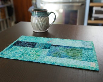 Blue Quilted Mug Rug Modern Placemat Mini Quilt Fiber Art Modern Coastal Home Decor Quilted Small Art Office Snack Lunch Coffee Tea Mat