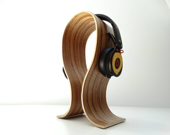 Wooden headset stand in beech, rounded headphones stand in Beech, curved plywood