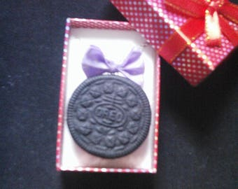 """Necklace realistic greed """"Oréo"""" cookie"""