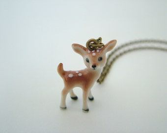 Small porcelain deer necklace, kitsch necklace, fawn necklace, deer necklace, porcelain necklace, woodland necklace, rustic