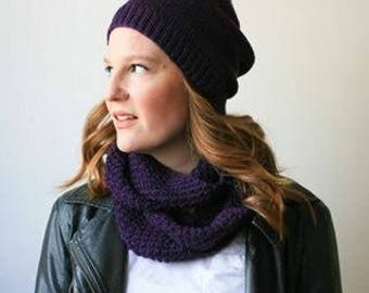 Infinity scarf, aubergine purple merino wool knit -- Pombcoup cowl