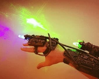Star trek borg arm, cosplay cyborg costume piece. With LED effects