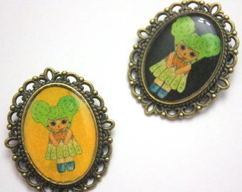 Vita D - Salad Girl Pin - Black or Gold