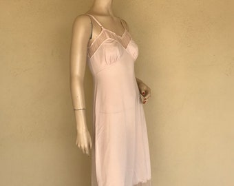 1940's Vintage Pink Full Slip ~  Fitted  Adjustable Full Nylon And Lace Slip ~ Tag Say's Luxite, Holeproof, & Nylon, SZ 34 ~ Great Condition