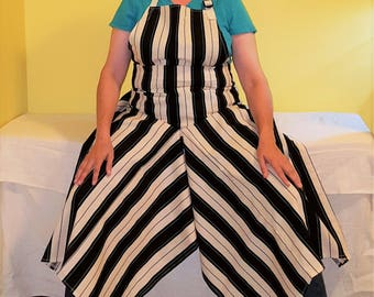 Pottery Apron Split Leg Panel Black Cream Kelly Green Stripes