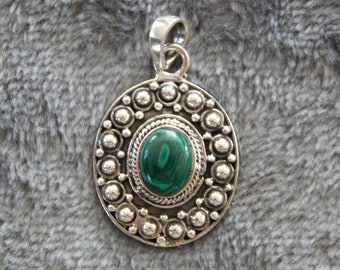 Handcrafted Silver & Green Agate Pendant
