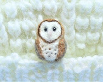 Needle felted owl brooch Needle felted owl pin Felted animal brooch Needle felted owl applique Barn owl brooch Barn owl pin Easter gift