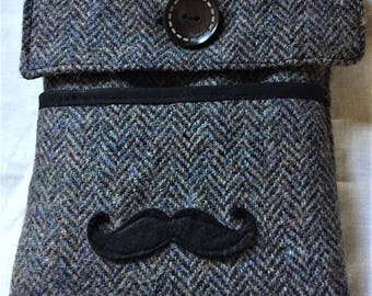 E-reader Harris tweed fully lined well-padded handmade case with mousetash embellishment