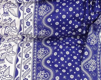 Linen / Cotton 50/50%, Folk print Blue Dove on White, width 150cm/59in