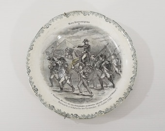 Antique Napoleon Bonaparte in the Battle of the Pyramids, french Commemorative Plate Wall Hanging Circa 1863 s