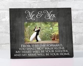 Couple Wedding Frame, Wedding Gift for Couple, Mr and Mrs Wedding Frame Ideas, Bridal Shower Gift for Bride, Mr and Mrs Wedding Gifts