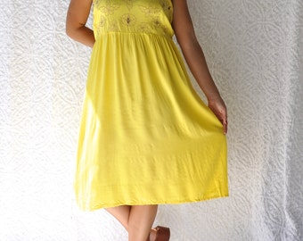 70s Yellow Sundress    Hippie Festival Midi Sundress. Embroidered Floral Boho Dress. Retro Day Dress. 1980s Lace Cut Out Dress    Large