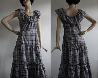 1970s Black and White Check Off the Shoulder Sun dress UK10-12