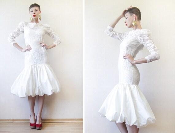Vintage off white lace long sleeve low back short midi hobble