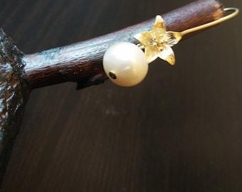 Art Lily Earrings