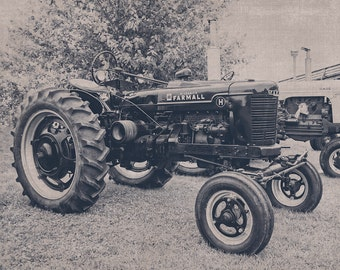 Farmall Black and White Tractor Photography, Tractor Photo, Farming, Farm Art, Tractor Lover, Vintage Tractor, International Harvester