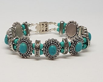 Western Style Turquoise and Sliver colored bracelet