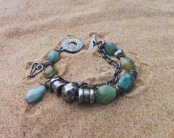 Blue aquamarine bracelet. Green aquamarine. Pulsera con aguamarina azul. Boho jewelry. March birtstone. Bleu vert.