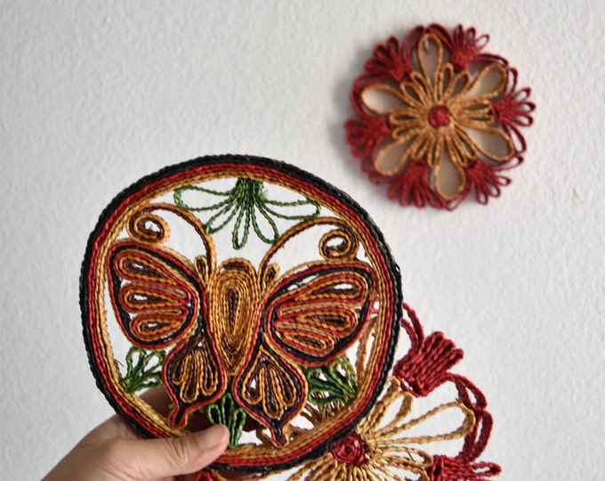 vintage set of 3 pink flower butterfly woven straw trivets / wall hanging baskets