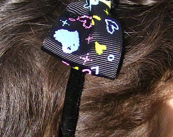 a black velvet headband handmade creation hand band