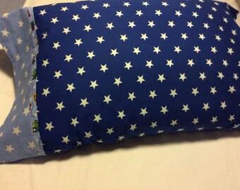 Children's cotton pillowcase.