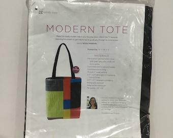 NEW Fons & Porter Modern Tote kit