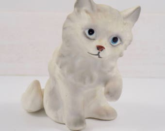 Kelvin Cat figurine,Kitty Cat,figures,figurines,mid century,Kelvin Exclusives,Japan,gray and white kitten,cat,collectible cats