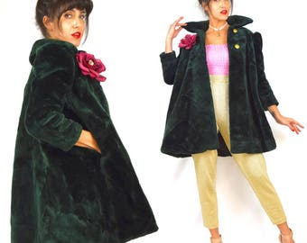 Vintage 60s Plush Forest Green Faux Fur Short Swing Coat (size xs, small)