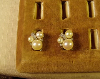 Vintage 1960s CINER Signed Faux Pearl & Rhinestone Clip Earrings  9572