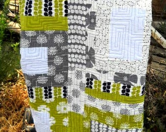 Contemporary Spring Quilt - Baby or Toddler