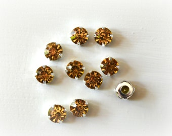 8mm Sew On Light Gold Rhinestones.  Gold Glass Buttons. Light Gold Crystals. 10 Pieces.