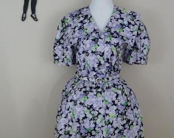 Vintage 1980's Does 1950's Floral Dress / 80s Liliac Full Skirt Day Dress M/L  tr