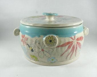 Lidded Casserole Serving Bowl Custom Bowl 3 Quarts, Baking Dish, Bread Baker, Stew Pot, Ceramics and Pottery, Wedding Gift, Save the Bees