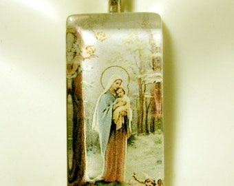 Madonna and child pendant with chain - GP12-063
