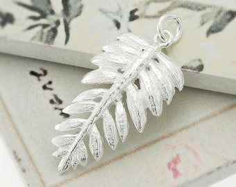 1 of 925 Sterling Silver Fern  Leaf  Pendant  14x25mm. ,Polished finish  :th2277
