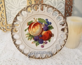Thames hand painted fruit plate (berries)