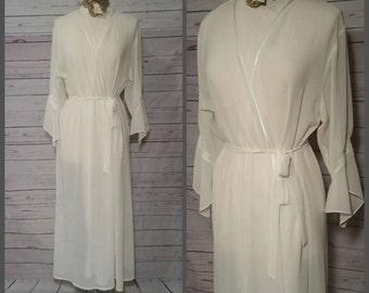 Oscar de la Renta Couture White Peignor w Poet Sleeves Size XL Vintage 1980s//High Fashion Robe//Mad Men Pin Up//Bride Wedding