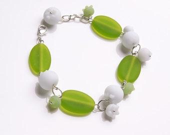 May lily lampwork bracelet, Lily of the valley bracelet, spring bracelet, white green bracelet, white flowers bracelet, blossom bracelet