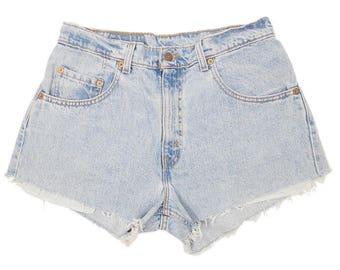 Levis 560 Shorts W32 USA Made Light Blue Denim High Waisted Cut Offs 90s Stonewash Vintage