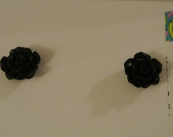 Medium Black or Red Rose Post Earring