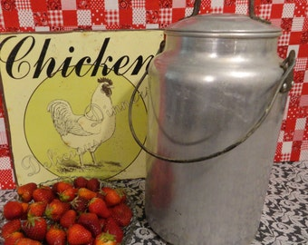 Large Vintage 4 Qt. Milk Can with Bail Handle and Lid