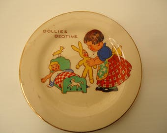 "Vintage 1930's child's tea set plate ""Dollies bedtime"""