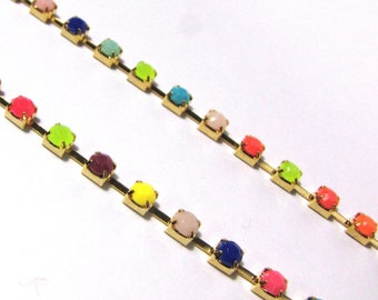 Multicolor acrylic rhinestone chains / gold