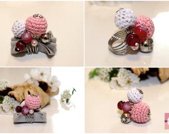Handmade crochet loop, crochet, cotton, cotton-ball Model